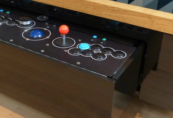 arcade coffee table Play Games, Surf The Web And More With This Arcade Coffee Table feature 6 600x411