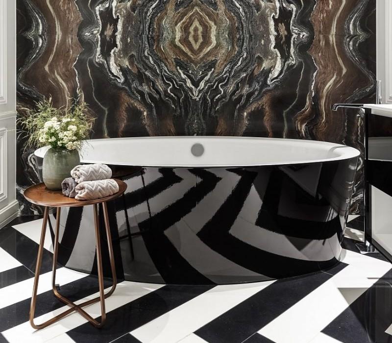 Side Table Ideas For A Luxury Bathroom Design side table ideas Side Table Ideas For A Luxury Bathroom Design Sem t  tulo 1 4